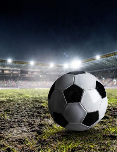 мяч-на-футбольном-поле